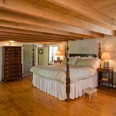 Traditional Bedroom by Worthington Custom Builder Inc.