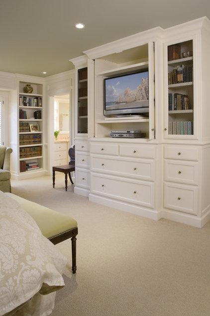 Traditional Bedroom by Alexandra Luhrs Interior Design