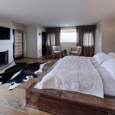 Rustic Bedroom by susan devall designs