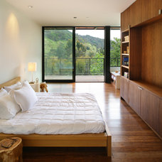 Modern Bedroom by Marmol Radziner