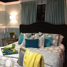 Modern Bedroom by Selma Hammer Designs