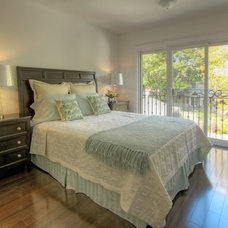 Traditional Bedroom by Studio 74