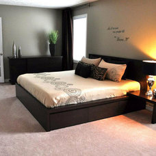 Contemporary Bedroom by Upstaging