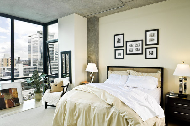Contemporary Bedroom by LINCOLN BARBOUR PHOTO