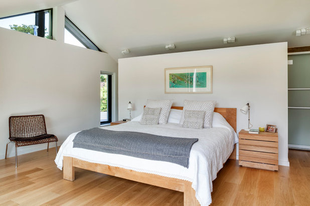 Contemporary Bedroom by Penton Architects