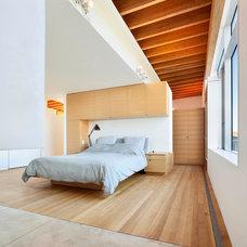 Contemporary Bedroom by Ian MacDonald Architect Inc.