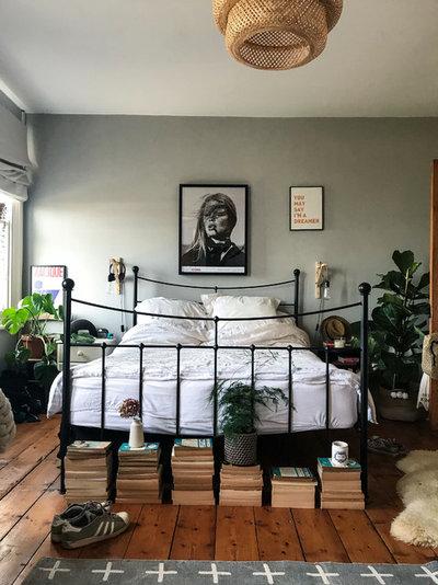 Scandinavian Bedroom by Dee Campling