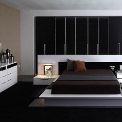 Impera - Contemporary Lacquer Platform Bed - Features