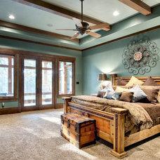 Rustic Bedroom by Ellis Custom Homes LLC