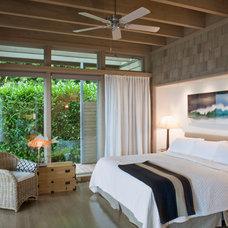 Contemporary Bedroom by Suyama Peterson Deguchi
