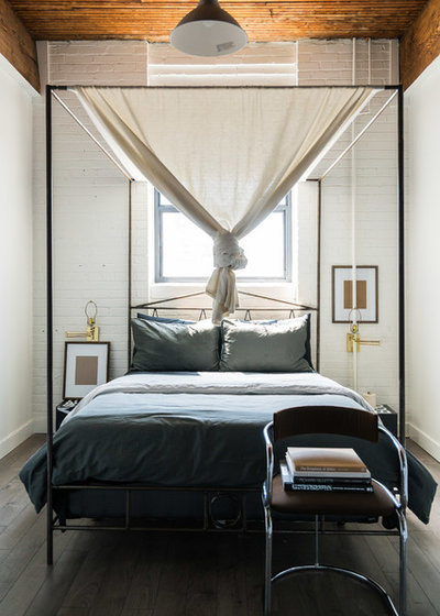 Transitional Bedroom by DNLI Photography