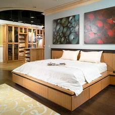 Modern Bedroom by Insidesign