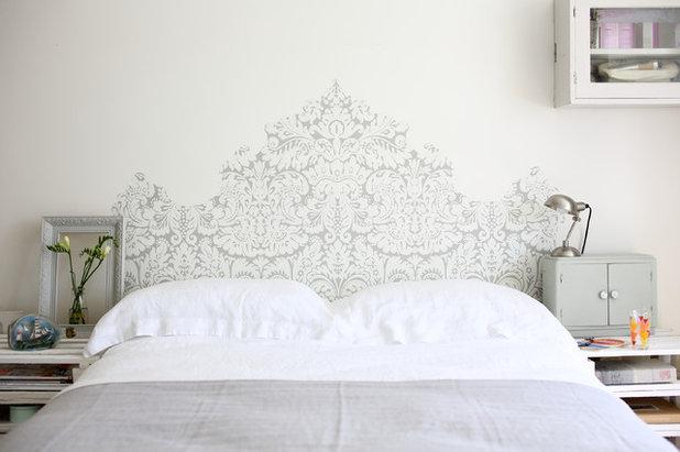 Современный Спальня by Farrow & Ball
