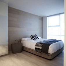 Modern Bedroom by Gaile Guevara