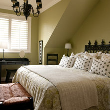 Contemporary Bedroom by Warline Painting Ltd.