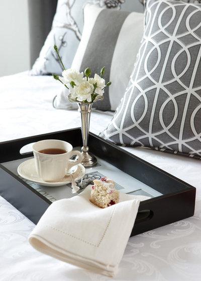 Классический Спальня by Jane Lockhart Interior Design