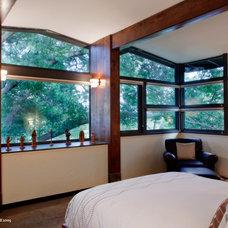 Midcentury Bedroom by CG&S Design-Build