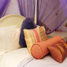 Eclectic Bedroom by Jennifer Brouwer (Jennifer Brouwer Design Inc)