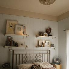 Contemporary Bedroom by vol.25