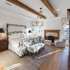 Rustic Bedroom by Veranda Fine Homes