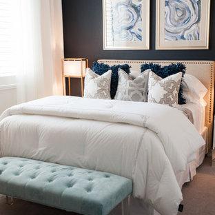 Ejemplo de habitación de invitados contemporánea, pequeña, con paredes azules y moqueta