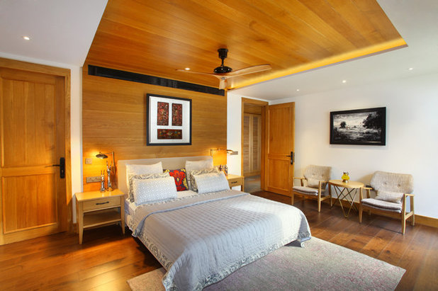 Contemporary Bedroom by Group DCA
