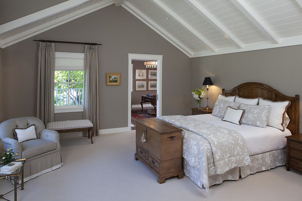 Farmhouse Bedroom by Joseph Farrell, Architect