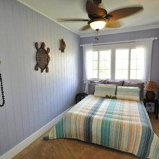 Tropical Bedroom by Home Shoppe Hawaii LLC - OAHU REAL ESTATE