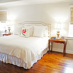 traditional bedroom by Kara Weik
