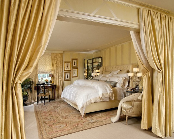 Traditional Bedroom by KARLA TRINCANELLO-CID - INTERIOR DECISIONS, INC.