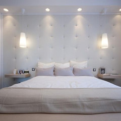 modern bedroom by KATE 4 DESIGN LTD BUDAPEST