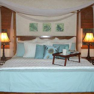 Island style bedroom photo in Hawaii
