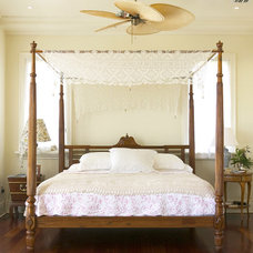 Traditional Bedroom by GAA Architects