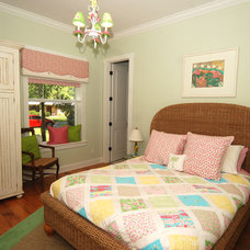 Tropical Bedroom by Javic Homes