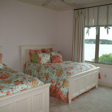 Traditional Bedroom by DeCavitte Properties