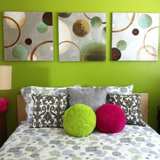 Modern Bedroom by MELDS home staging