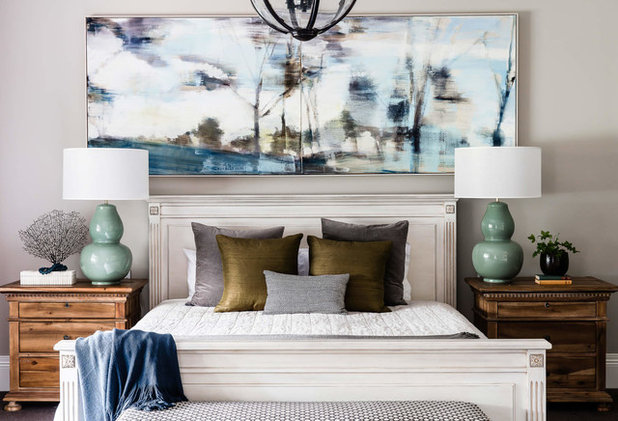 Transitional Bedroom by Beecraft Pty Ltd