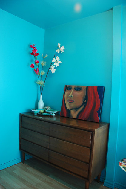 eclectic bedroom kim Teal dressing room1