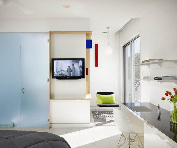 Modern Bedroom by Baldridge Architects