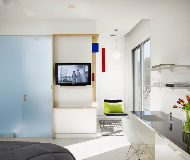 Modern Bedroom by Baldridge Architects