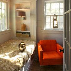 Farmhouse Bedroom by JAMES DIXON ARCHITECT PC
