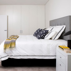 Modern Bedroom by Horton & Co. Designers