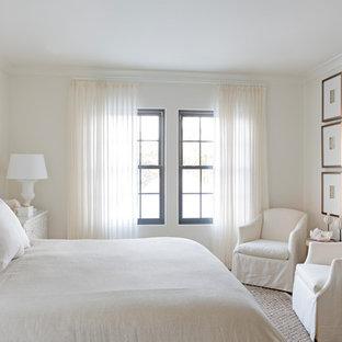Ispirazione per una camera matrimoniale stile marinaro con pareti bianche