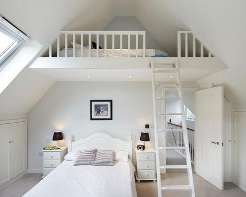 Chambre mansardée ou avec mezzanine classique : Photos et idées ...
