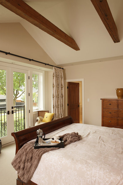 Traditional Bedroom by JDL Homes Vancouver