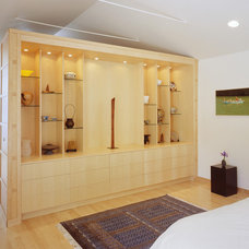 Asian Bedroom by John Lum Architecture, Inc. AIA