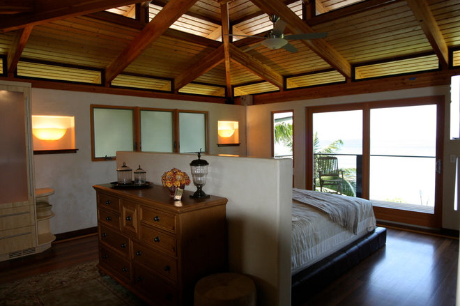 Tropical Bedroom by Fisher Construction LLc