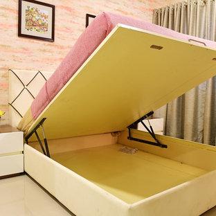 プネーのコンテンポラリースタイルのおしゃれな寝室のレイアウト