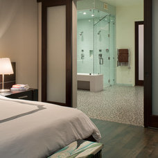 Contemporary Bedroom by Charco DESIGN & BUILD Inc.