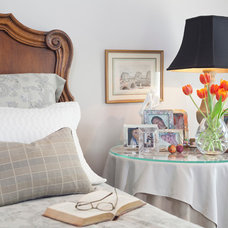 Traditional Bedroom by Andrea Calo